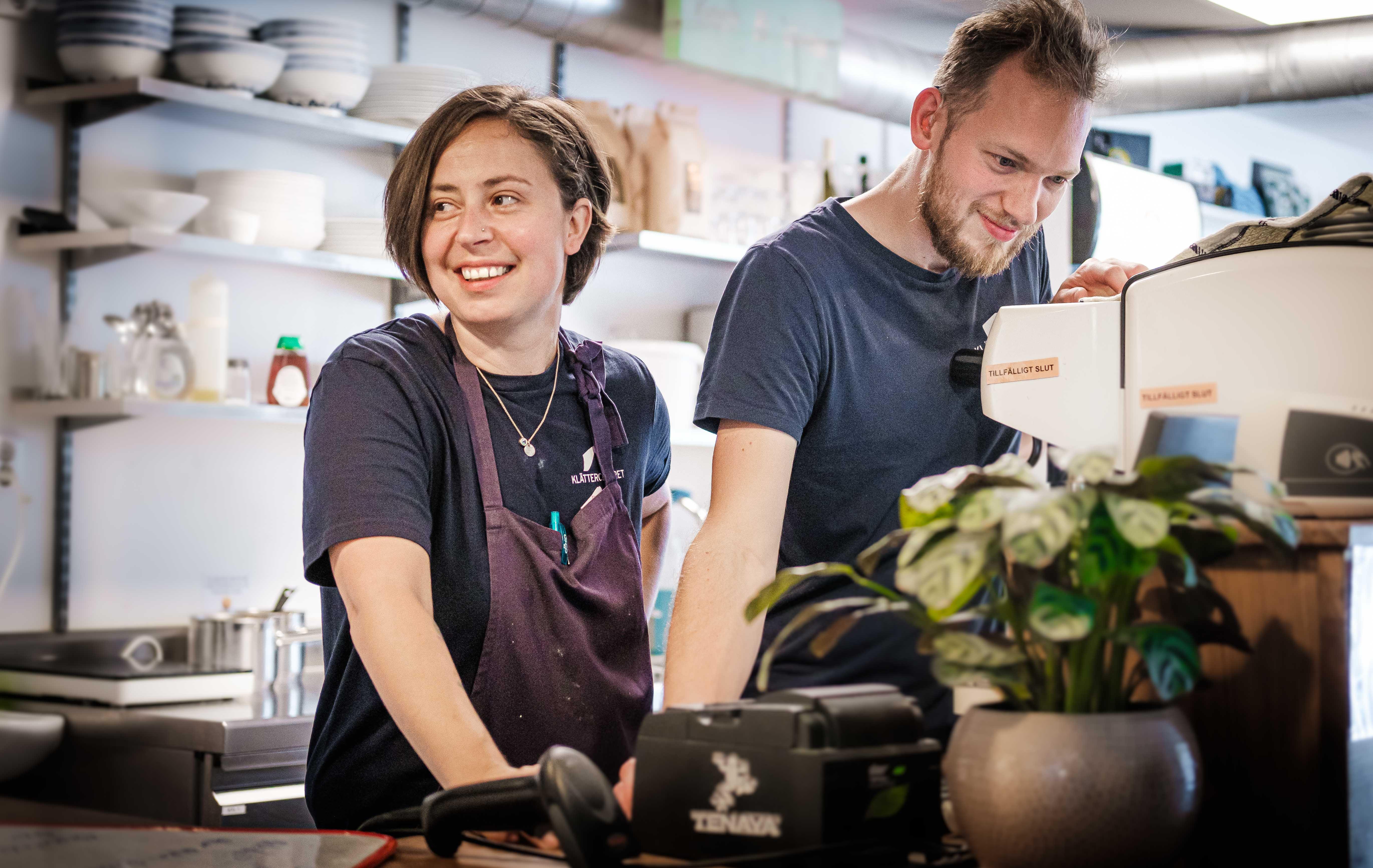 Emily och Niklas har hand om köket